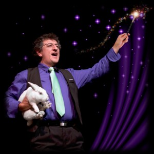 St. Louis Magician, Family Entertainer Leland Delgado